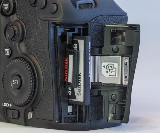 Canon EOS 5D Mark III - Dualslot Speicherkartenfach